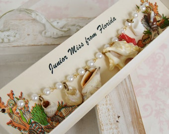 Vintage Bracelet of Seashells and Faux Pearls by Tropical Designs