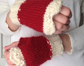 Lacy Red and Cream Fingerless Gloves Wool