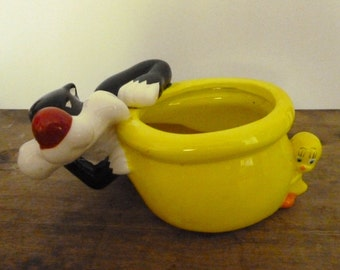 Vintage Sylvester and Tweety Planter