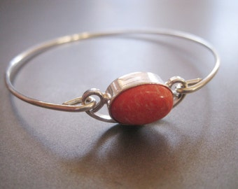 RED and WHITE JASPER Oval gemstone bangle bracelet