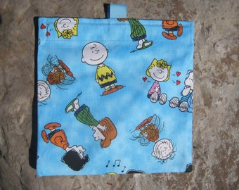 Charlie Brown Blue - Reusable Sandwich Bag, Reuseable Snack Bag with easy open tabs