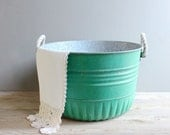 Vintage Metal Bucket with Rope Handles - lovintagefinds