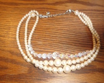vintage necklace triple strand faux pearls glass beads