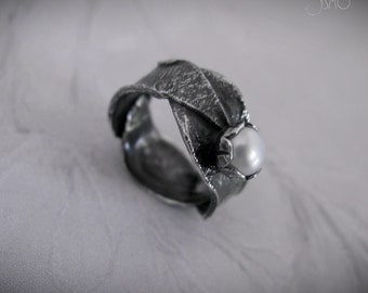 Sterling Silver Organic Ring with White Pearl - Hojarasca I Ring