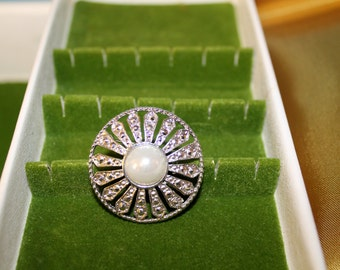 Beautiful Circular Brooch with White Stone