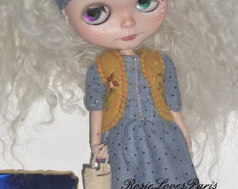 Blythe SALE Peasant Dress, Waistcoat, Headscarf .   (BD77614)