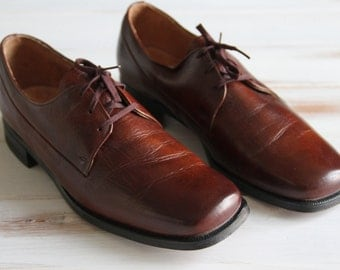 SIZE 9 C Vintage MENS The Florsheim Shoes in Deep Brown Leather