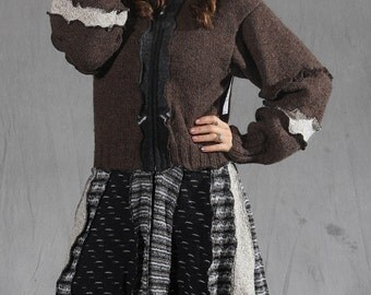 Recycled sweater coat pixie style with puffy sleeves. In Brown tones and gray wool blends