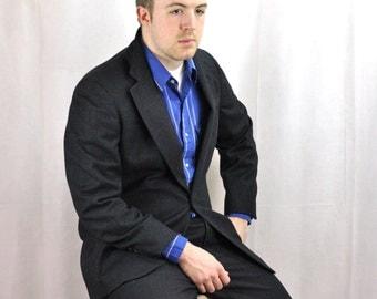 1980's Mens Suit 40R Medium Charcoal Gray Window Pane Plaid Business Suit Corporate Menswear Armor of Modern Men