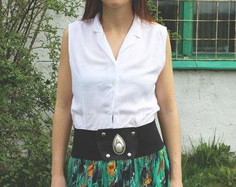 Vintage 80's White Sleeveless Shirt Top