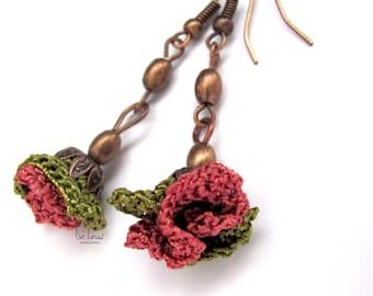Green and pink flower earrings. Modern crochet jewelry. Long, dangle, flower earrings. Fiber textile jewellery. Flower copper earrings.