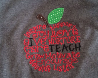 School/teacher apple I teach appliquéd t-shirt