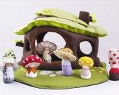 Organic felt soft dollhouse, Waldorf style toy, Eco friendly toy