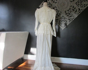 Vintage Victorian Ivory Silk Blouse and Skirt with  Lace, Antique Wedding  Dress, Vintage Bridal Trousseau, Vintage Bride