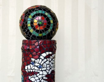 "Garden sculpture ""Eye of the Dragon"", broken china mosaic ball, black, red, green, circular patterns"