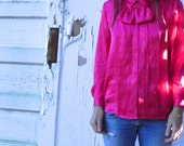 kiss blouse. very hot-electric-pink 80s blouse. size 8. magenta