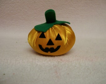 Vintage, Pumpkin, Jack o Lantern,  Pin Cushion, 1980s, by Russ, Pincushion,  For Needles Pins