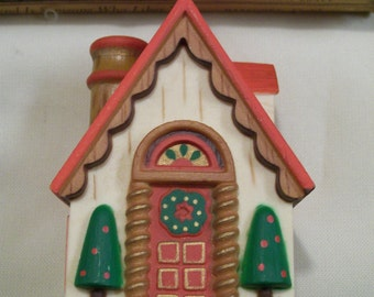 Vintage Hallmark ORNAMENT 1977  Happy Holidays COZY COTTAGE Yesteryears Series Original Box