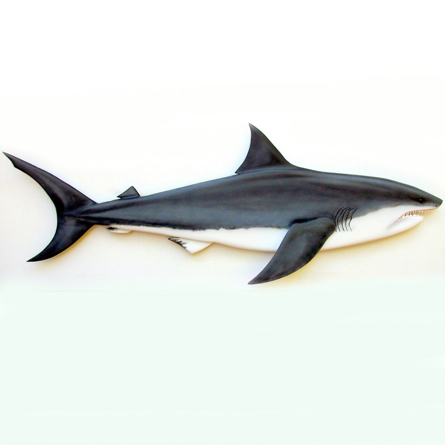 Great white shark 36 39 39 wood carving shark decor for Requin decoration