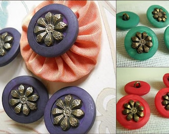 4 Buttons- Shank- 23mm- Three beautiful color available- Red -Green-Purple