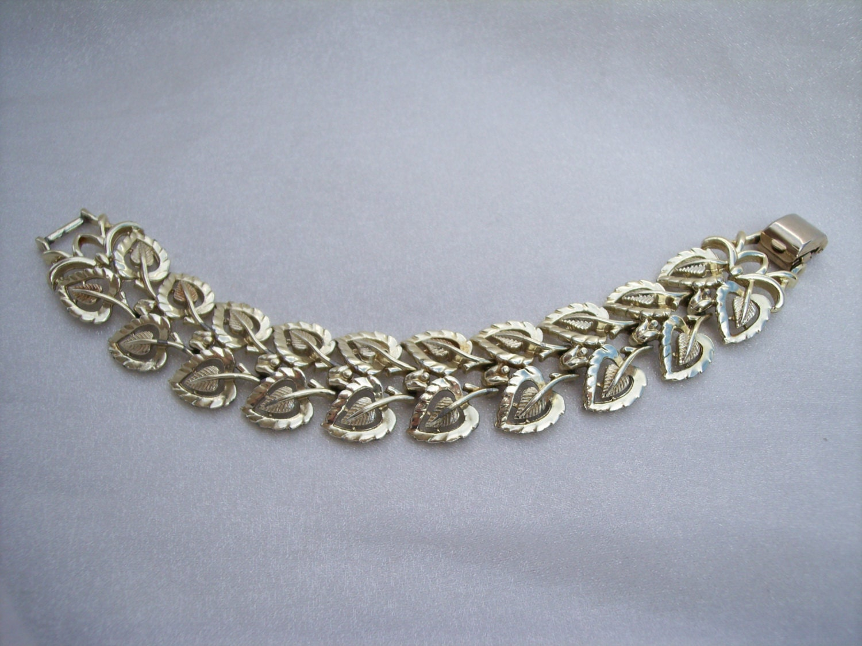 vintage coro pegasus bracelet high fashion leaf by