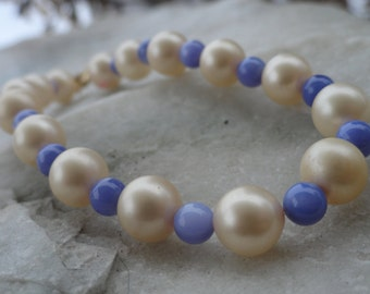 Cream and Periwinkle Beaded Bracelet