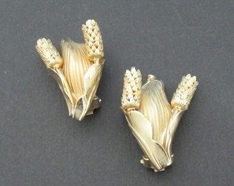 Vintage Gold  Tone Flower & Leaf Design Clip On Earrings