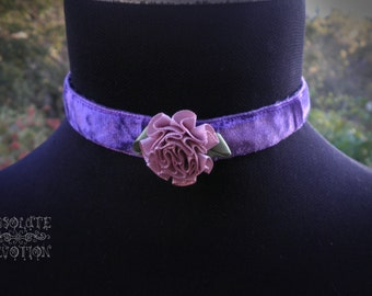 Spring Romance Discreet Lockable Collar- In Stock - Absolute Devotion