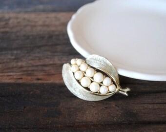 Lisner Signed Pin Leaf, Unique Faux Pearl Brushed Gold Brooch, Vintage Designer Jewelry