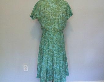 SALE Vintage Floral Day Dress- OOAK handmade- 1950s ((Size Medium to Large ))
