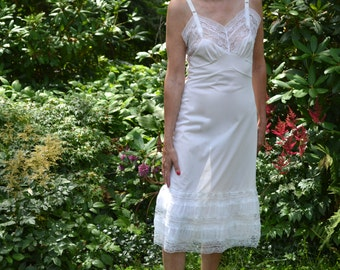 "Frilly White Slip Dress.  10"" of Lace and Chiffon. 1950's Vintage Lingerie. Size 34 36 38 Size Small Medium Large VL273"