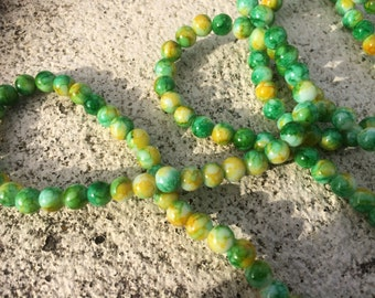 6mm yellow & green mottled round glass beads - 30 beads