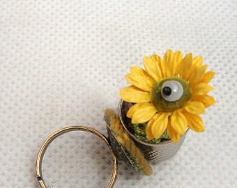 Daisy thimble ring