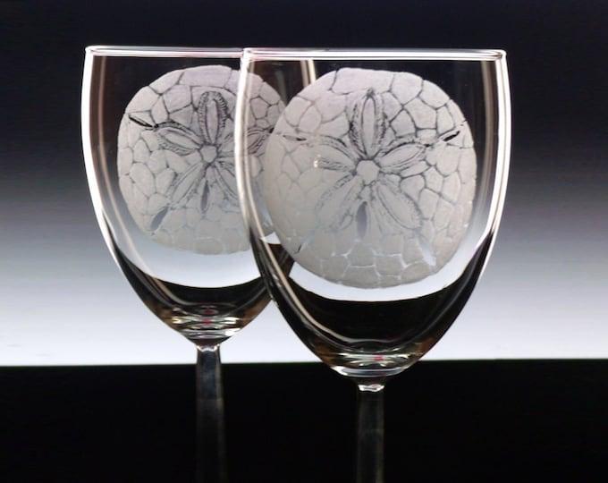Engraved Beach Wine Glass  Set of 2 - Sand Dollars - Glassware wineglass stemware for the home beach house  coastal nautical