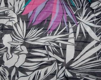 Vintage Italian 100% cotton Tropical Black White Floral Print Scarf 29 x 29