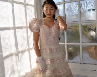 Old Hollywood Formal Party Dress/Vintage 1930s/Tulle and Floral Pink Sprigged Cotton. Size Extra Small