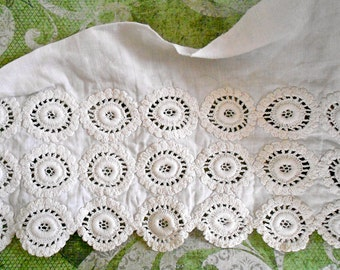 Victorian Embroidered Medallion Lace Trim