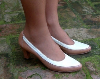 Vintage two tone white and sand genuine Leather heels, Spectator Pumps, shoes size EUR 39, US 8.5, UK 6, Bally