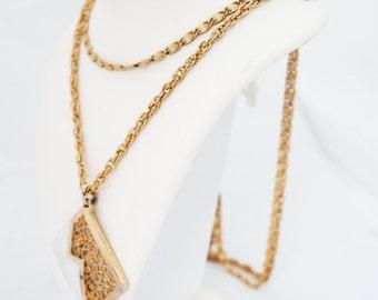 Necklace- Vintage 1970s Long chain link Hanging Pendant Statement