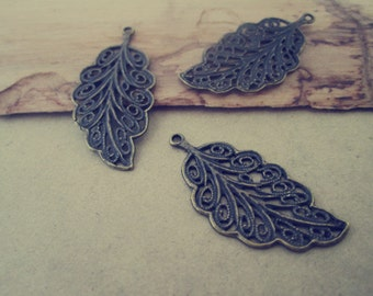 15pcs of  Antique Bronze leaves pendant charm 15mmx32mm