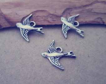 40pcs of Antique silver bird pendant charm 15mmx16mm