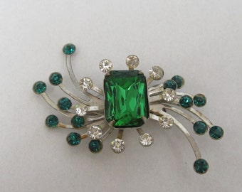 Vintage Emerald Green And Clear Rhinestone Settings On A Silver Toned Backing