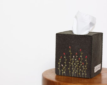 Nikkie's Felt Swaying Flower Tissue Box Cover-Dark Khaki