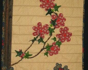 Climbing Flowered Ivy