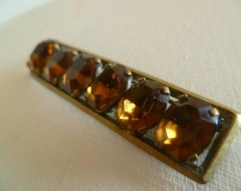 Vintage Costume Jewelry Bar Brooch Amber Paste Gem in Gilt Setting Circa 1940