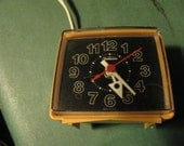 Old vintage small plastic Sunbeam Alarm Clock it works fine