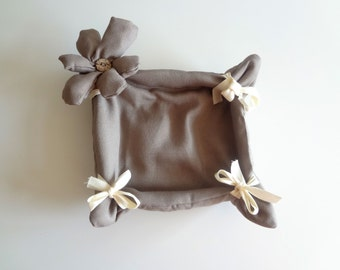 Bread basket brown fabric with flower