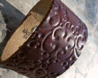Recycled Brown Embossed Distressed Leather Bracelet with Snap BRN-207-1