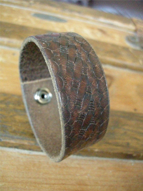 Brown Leather Cuff Distressed Texture Design Tough Bracelet with Snap BRN-167-1