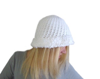White Crochet Cloche Hat With Faux Fur Trim, White Tam, Crochet Beanie, Fur Trim Hat, Fall Fashion Hat, White Autumn Beanie